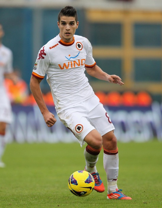 CATANIA, ITALY - JANUARY 13:  Eric Lamela of Roma during the Serie A match between Calcio Catania and AS Roma at Stadio Angelo Massimino on January 13, 2013 in Catania, Italy.  (Photo by Maurizio Lagana/Getty Images)